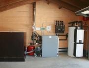 Calefacción y ACS con caldera de pellet, fogón con paila y suelos radiantes