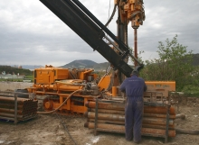 Calefacción y ACS por geotermia, con instalación de suelos radiantes - Realización de perforaciones