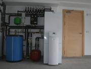 Calefacción y ACS por geotermia, con instalación de suelos radiantes refrescantes